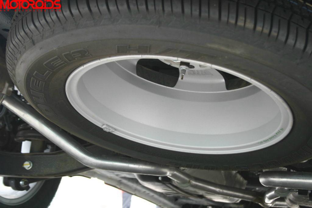 Mahindra XUV500 (94)