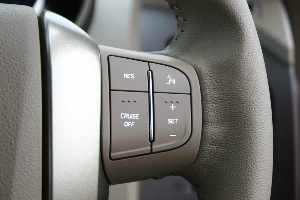 Mahindra XUV500 (65)