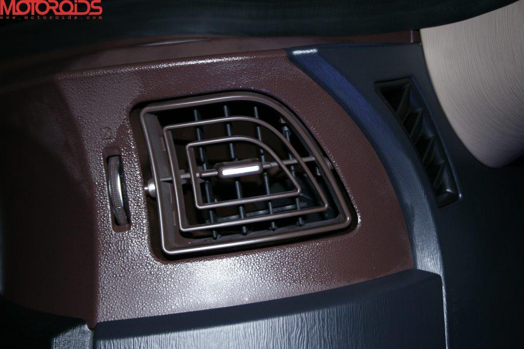 Mahindra XUV500 (44)