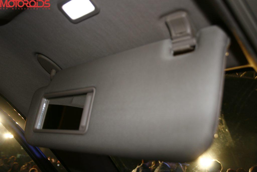 Mahindra XUV500 (32)