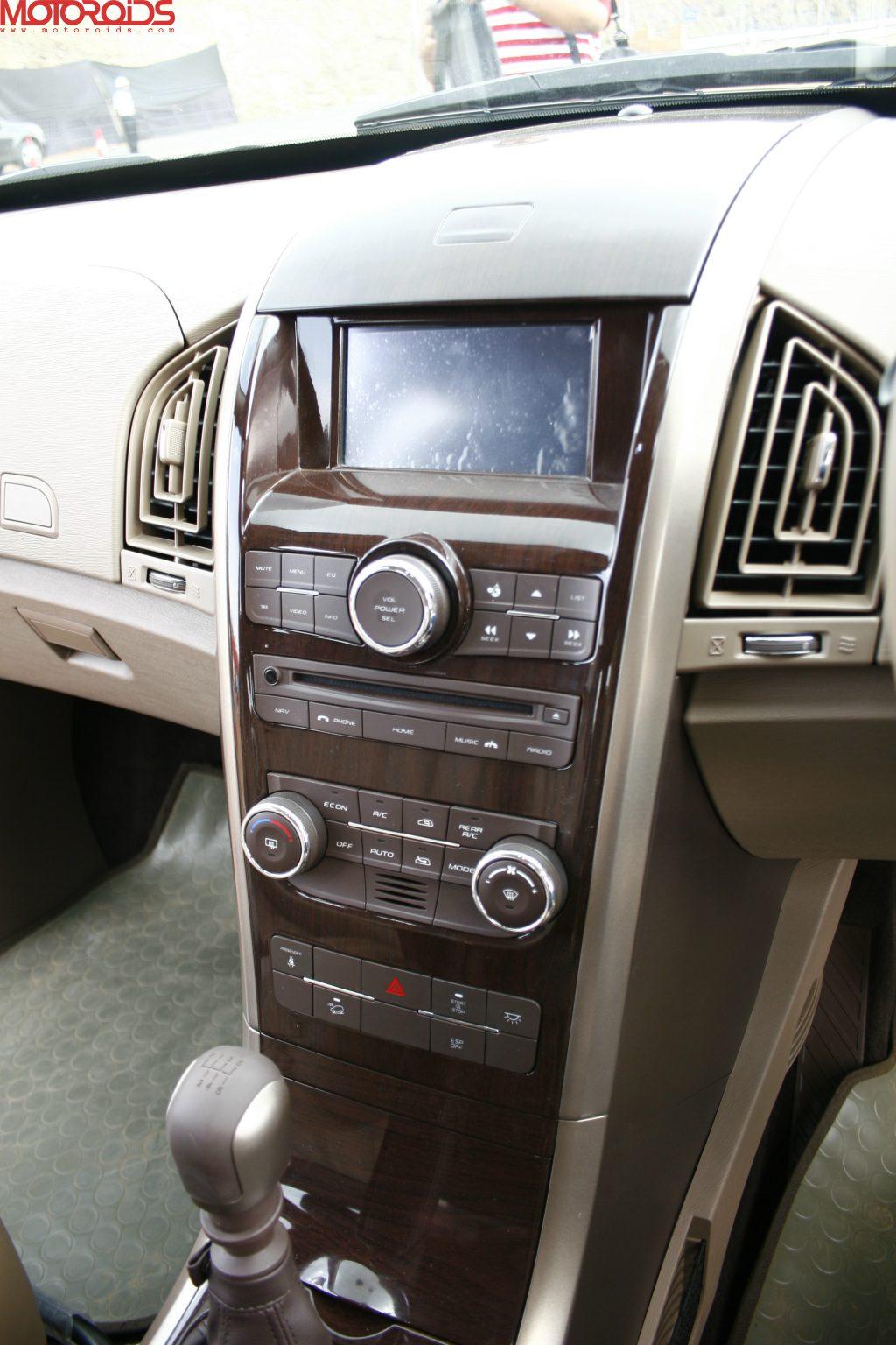 Mahindra XUV500 (27)