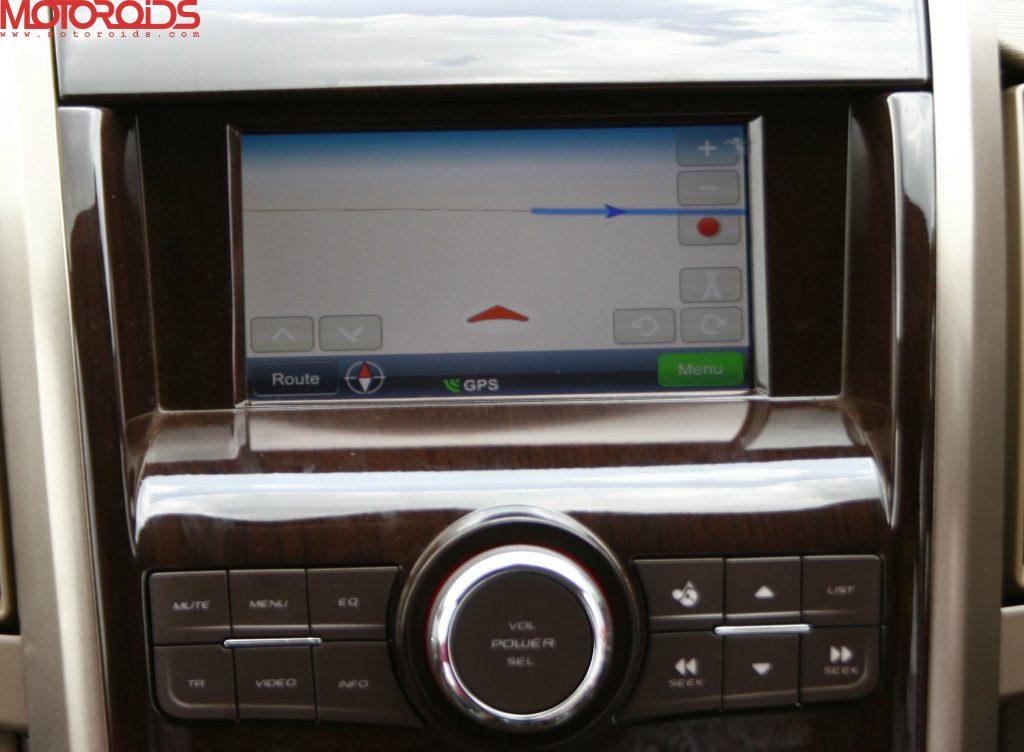 Mahindra XUV500 (12)