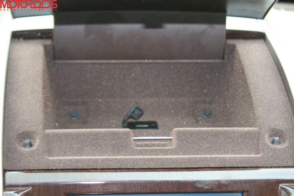Mahindra XUV500 (10)