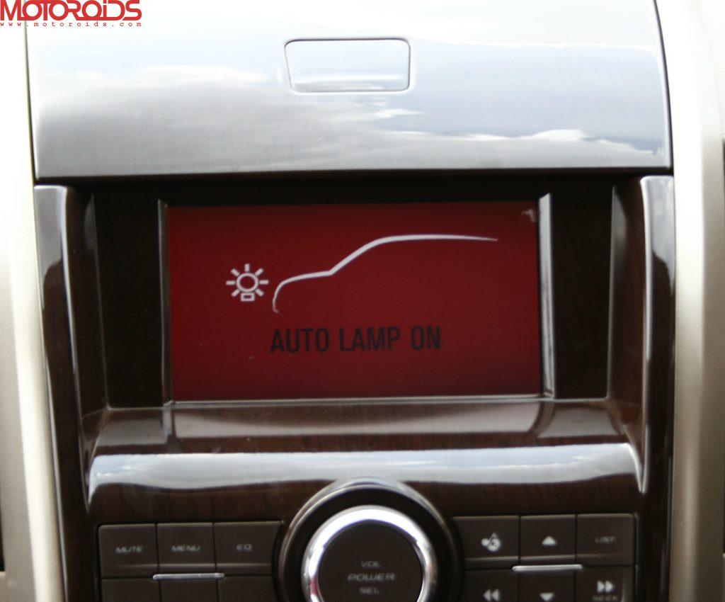 Mahindra XUV500 (9)