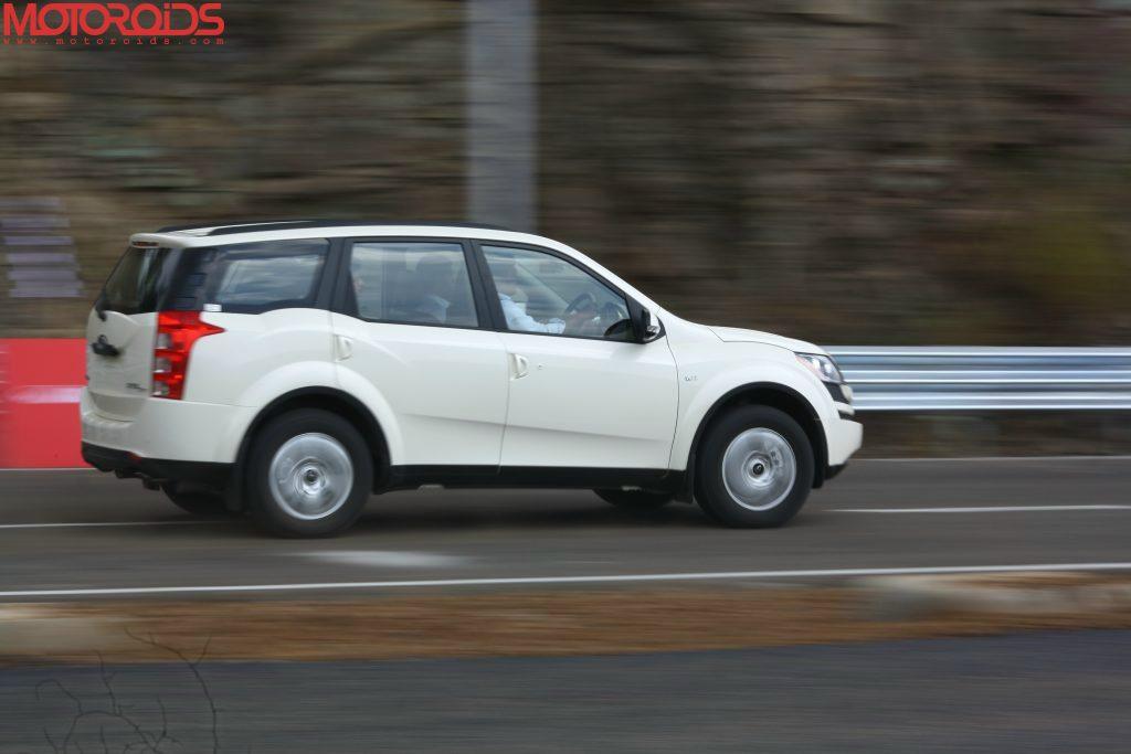 Mahindra XUV500 (2)