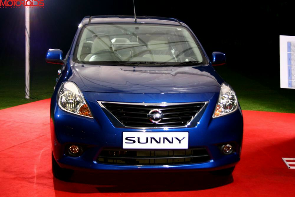 NIssan Sunny, Suuny sedan India (20)