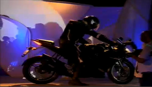 Yamaha R15 Version 2.0 (2)