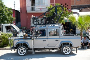 Land-Rover_Bond_skyfall3-300x199