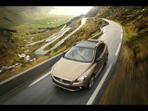 Volvo-V40-Cross-Country-2-300x225