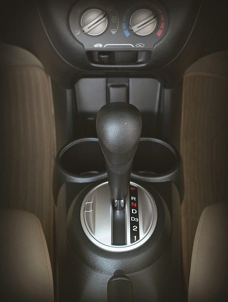 Brio-AT-gearshift