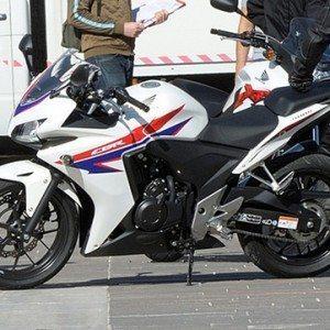 Honda CBR 500 pictures