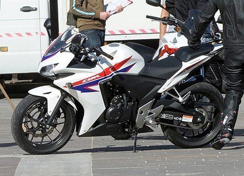 Honda-CBR-500-pictures