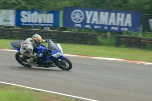 Yamaha-YZF-R15-One-Make-Race-Championship-300x200