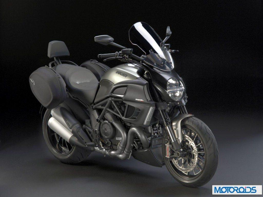 2013-Ducati-Diavel-Strada-2-1024x766