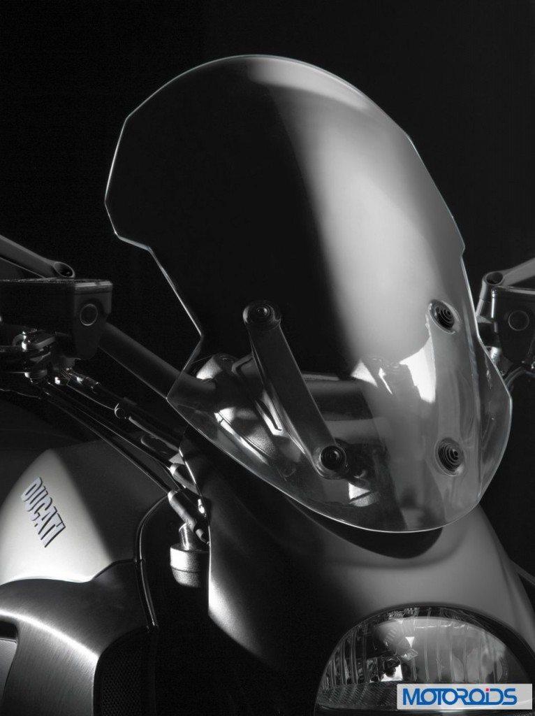 2013-Ducati-Diavel-Strada-766x1024
