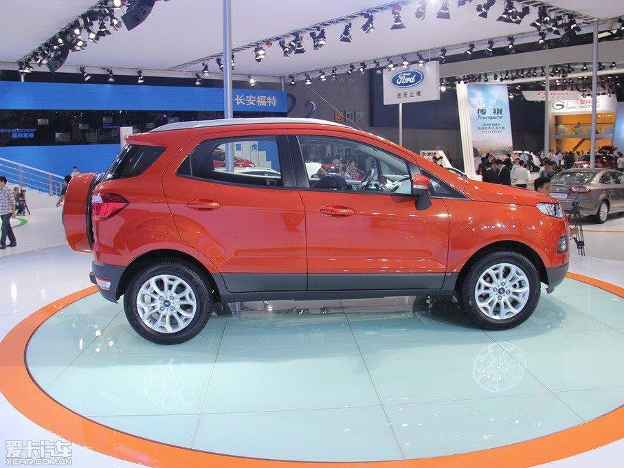 Ford-EcoSport-Long-Wheelbase-1