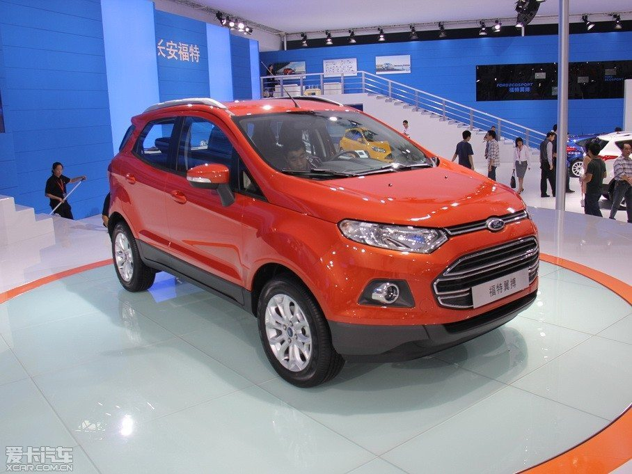 Ford-EcoSport-Long-Wheelbase-2