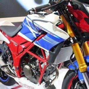 Honda CB150R streetfire (4)