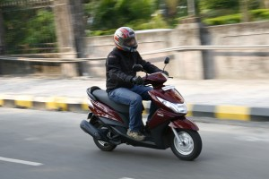 Honda Dio vs Yamaha Ray (29)