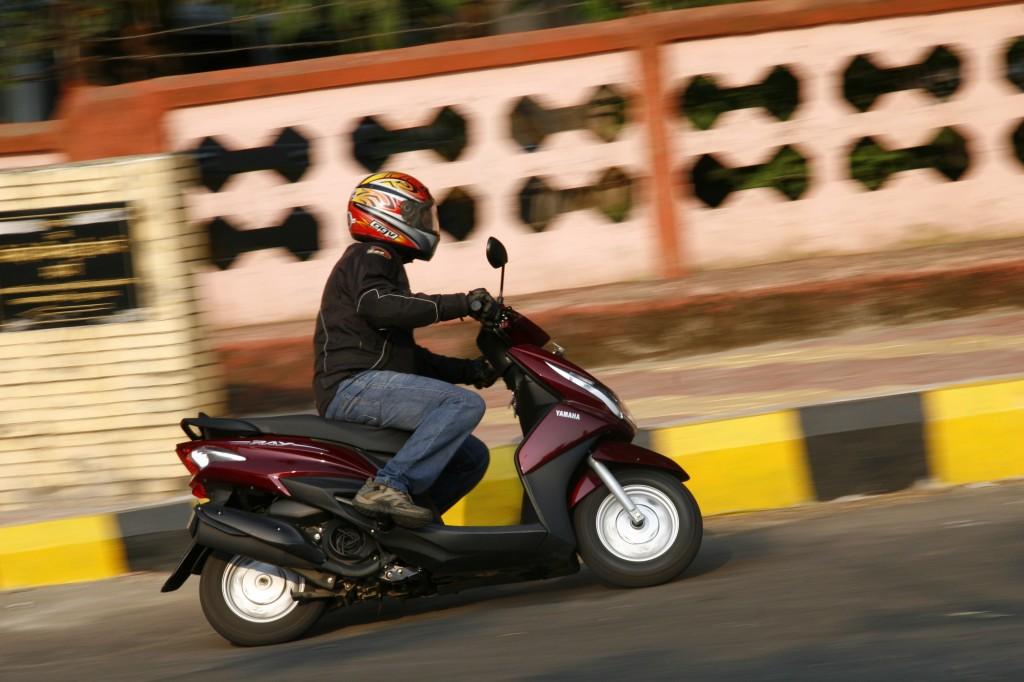 Honda-Dio-vs-Yamaha-Ray-30-1024x682