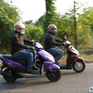 Honda Dio vs Yamaha Ray (36)