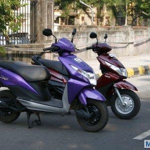 Honda Dio vs Yamaha Ray (8)