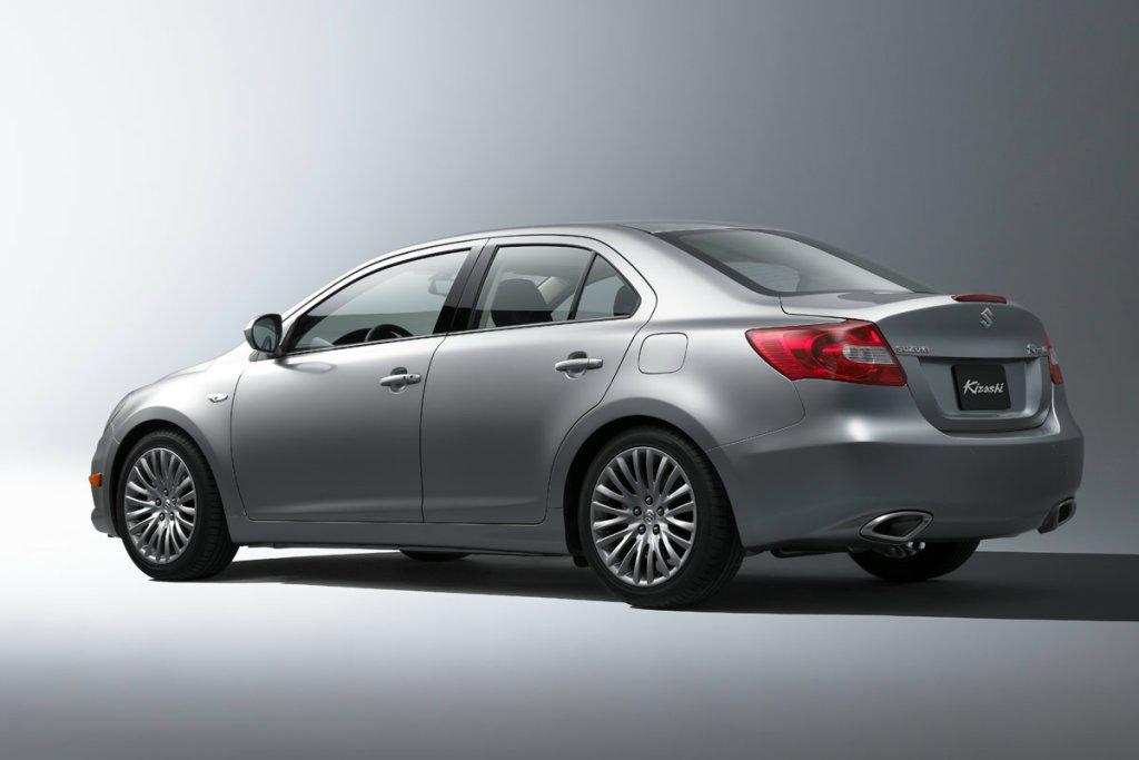 Maruti Suzuki stops Kizashi Import, offers Rs 5 lakh discount