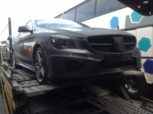 Mercedes-Benz-CLA-61