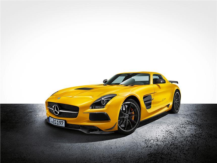 Mercedes-SLS-AMG-Black-1
