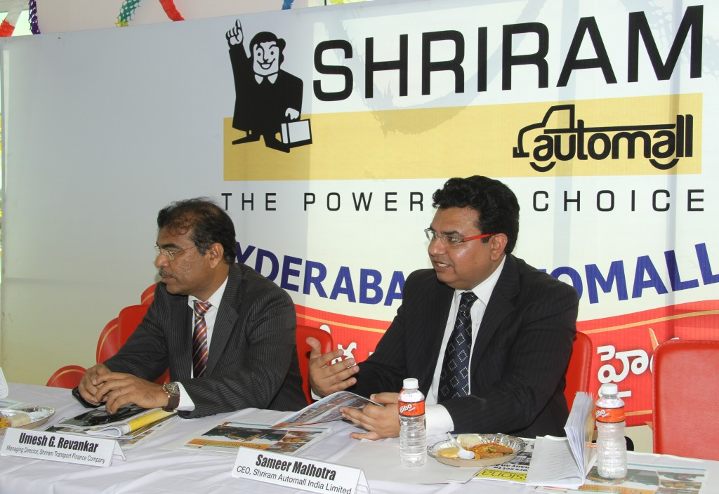 Umesh-Revankar-MD-Shriram-Autofinance-Company-Sameer-Malhotra-CEO-Shriram-Automall-India-Limited-during-the-interaction-with-the-media