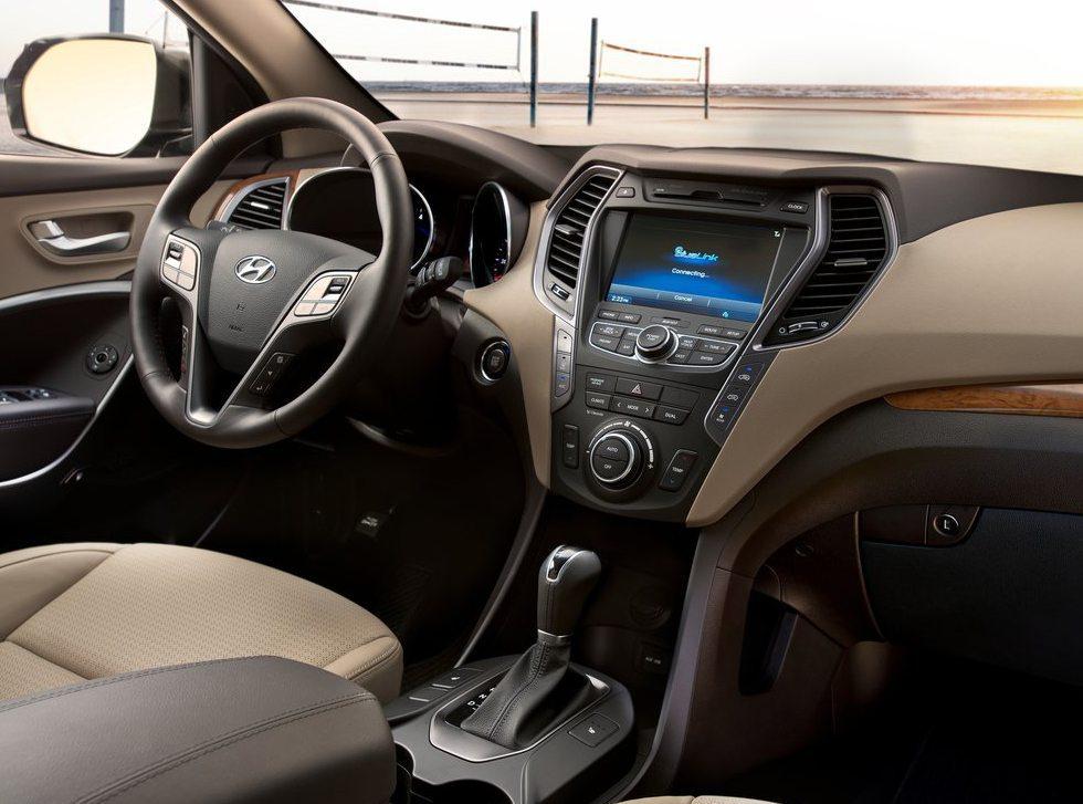 2013_Hyundai-Santa_Fe_India-4