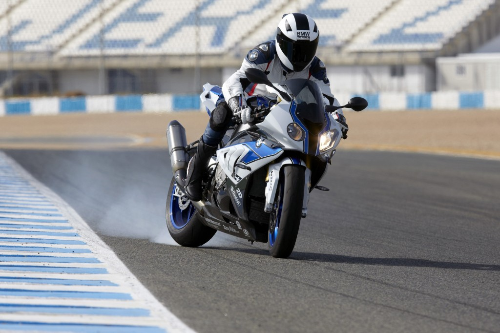 BMW-HP4-wins-60th-iF-Design-Awards1-1024x682