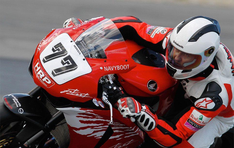 Michael-Schumacher-Schuberth-helmet-1
