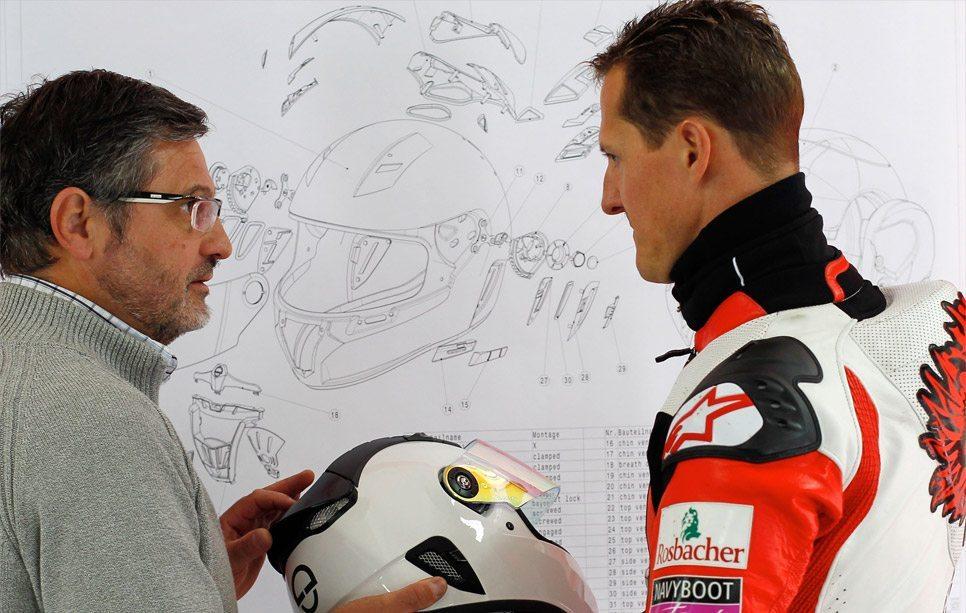 Michael-Schumacher-Schuberth-helmet