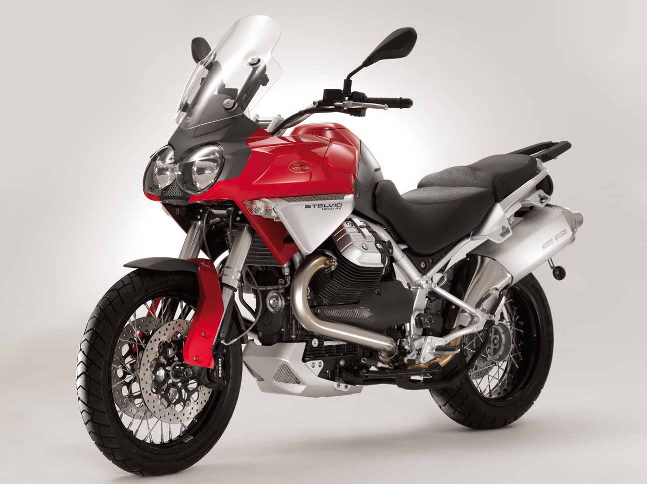 Moto-Guzzi-Stelvio