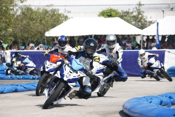 Participants-at-the-9th-Yamaha-ASEAN-Cup-Race-2012