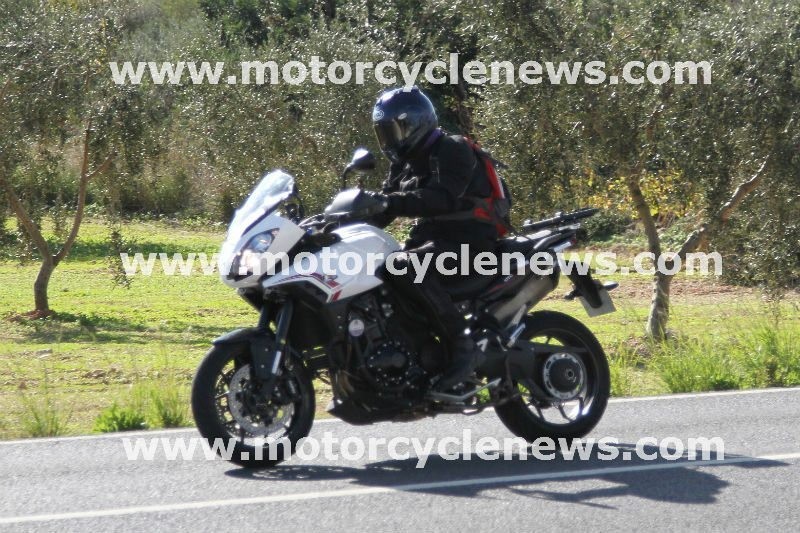 Spy-shots-Triumph-Tiger-10501