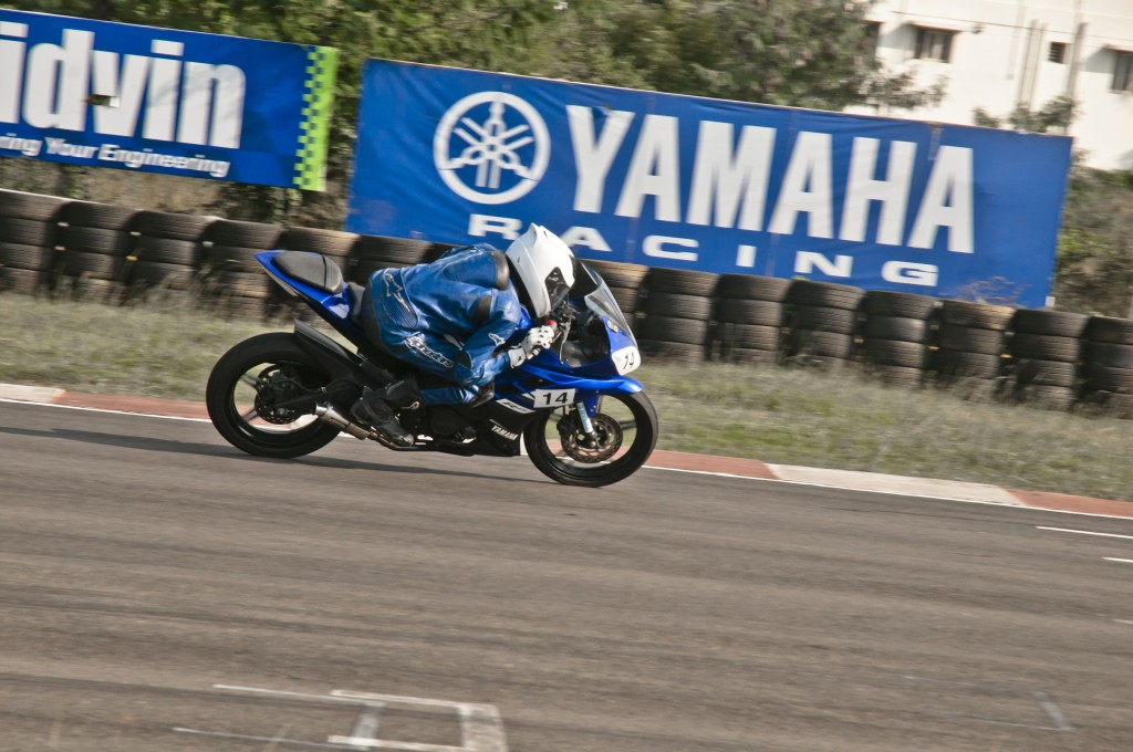 Yamaha-R15-Racing-kit-1024x680