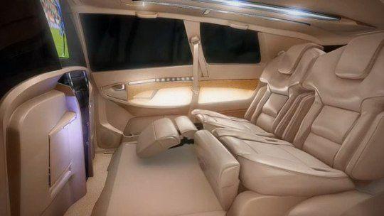 dc-lounge-toyota-innova-4