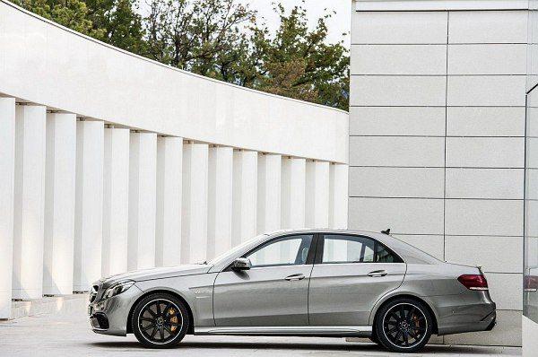 2013-Mercedes-Benz-E-63-AMG-3