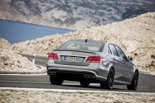 2013-Mercedes-Benz-E-63-AMG-4
