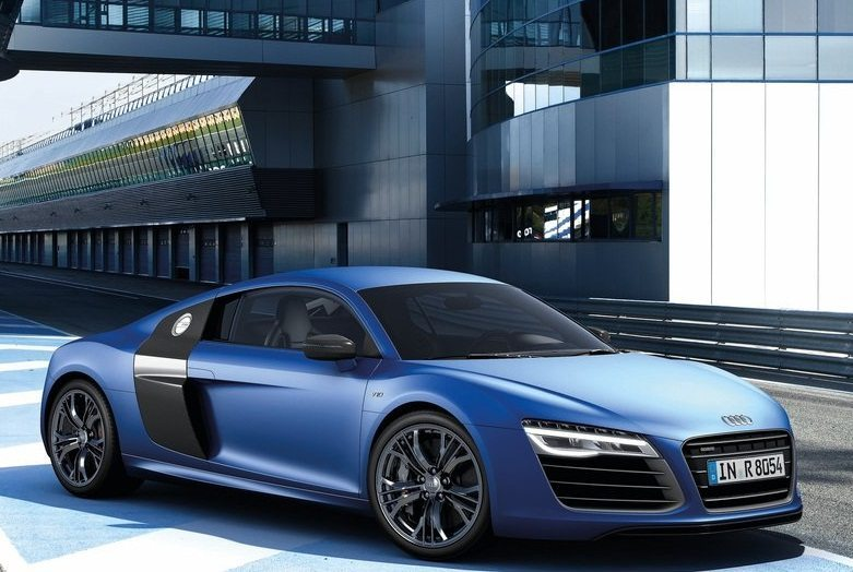 2013_Audi-R8_india