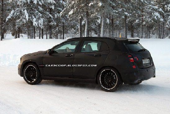 2014-Mercedes-Benz-GLA45-AMG-Rear