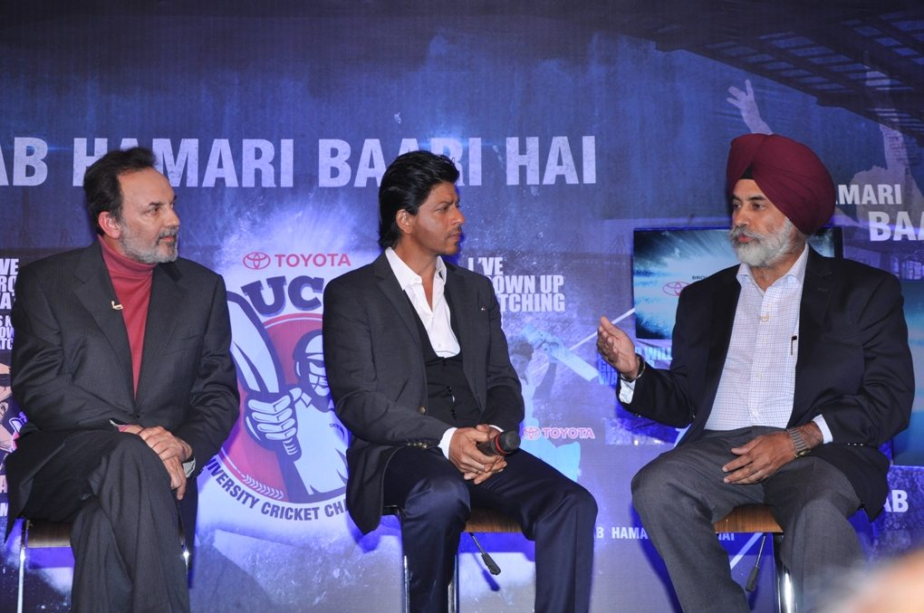 LtoR - Dr. Prannoy Roy, Founder and Executive Co-Chairperson of NDTV , Super Star Shahrukh Khan & Mr. Sandeep Singh, DMD and COO, TKM