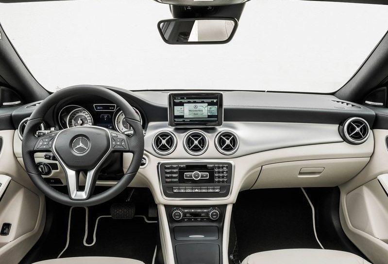 Mercedes-Benz-CLA-Class_2014-4