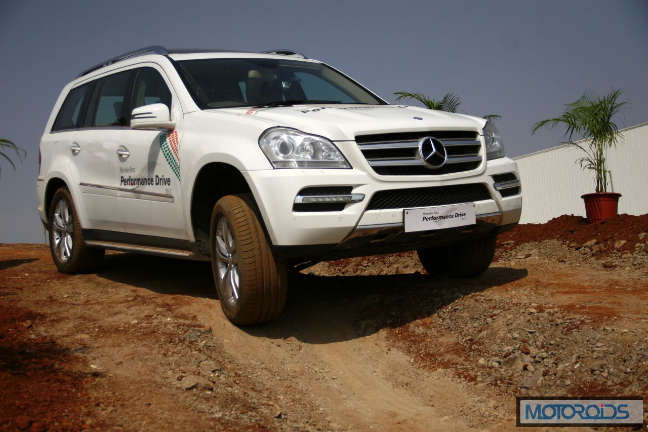Mercedes SUV track test Chakan Pune India (2)