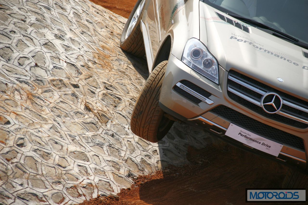 Mercedes SUV track test Chakan Pune India (8)
