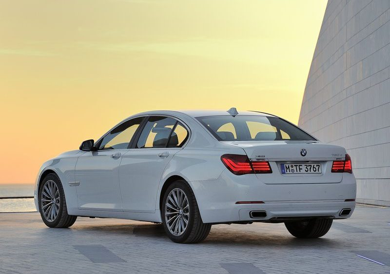 BMW-7-Series_facelift-India-2