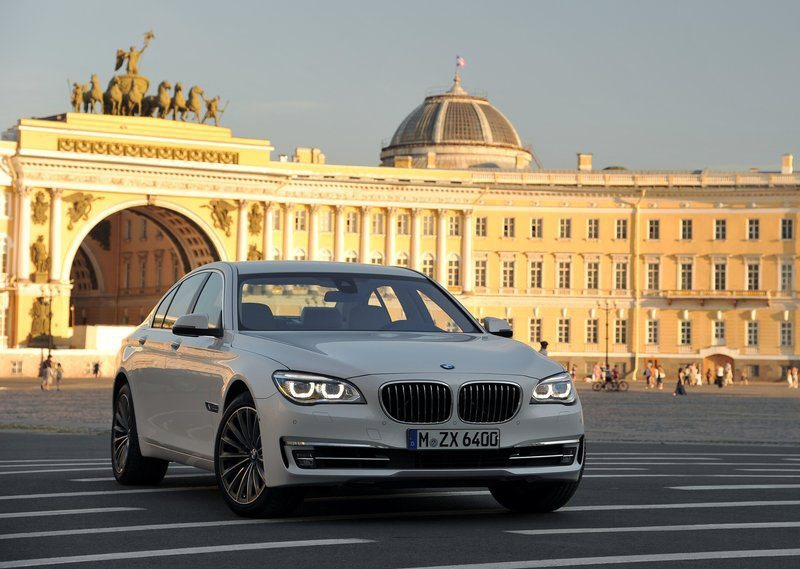 BMW-7-Series_facelift-India-3
