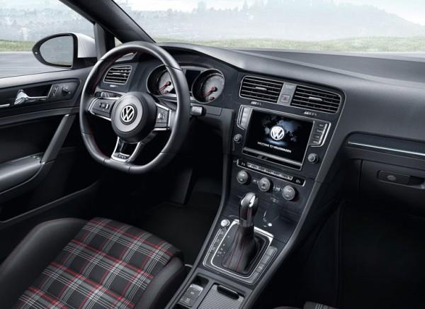 2015 Volkswagen Golf GTI PIcs 2